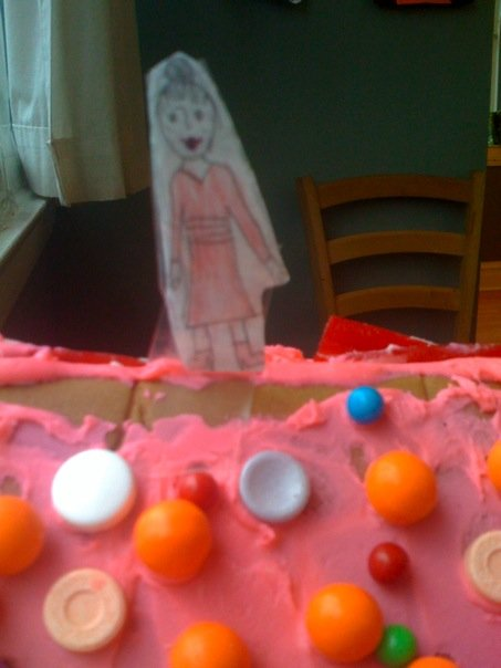 gingerbread_ruby_palace_aunt_lily